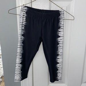 Girls black and white leggings